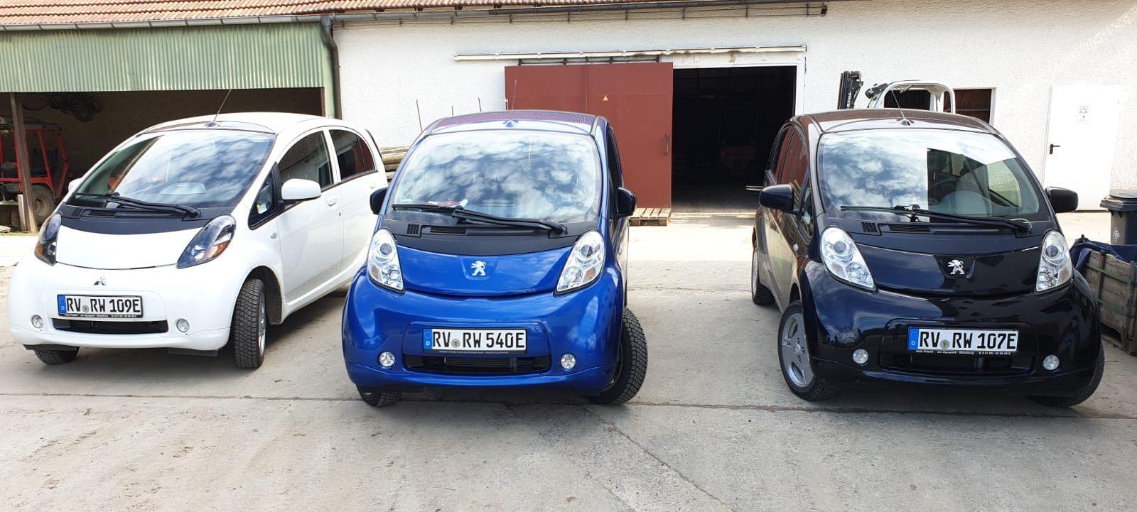 3-Autos-1600x721